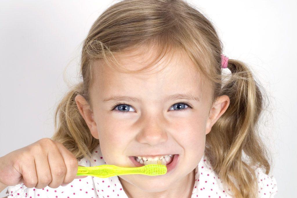 Pasta de dientes flúor niños